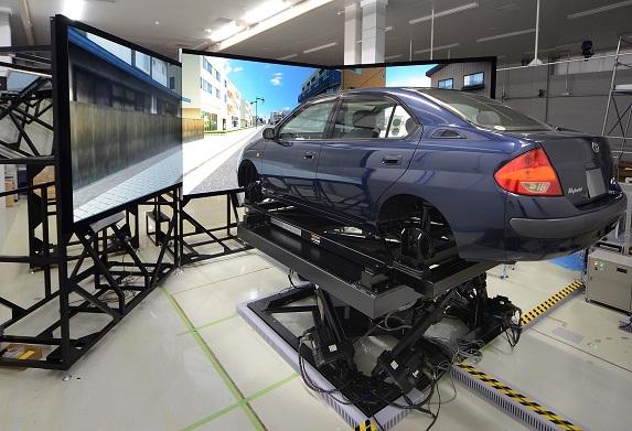 [084] ドライビングシミュレーターシステム 画像