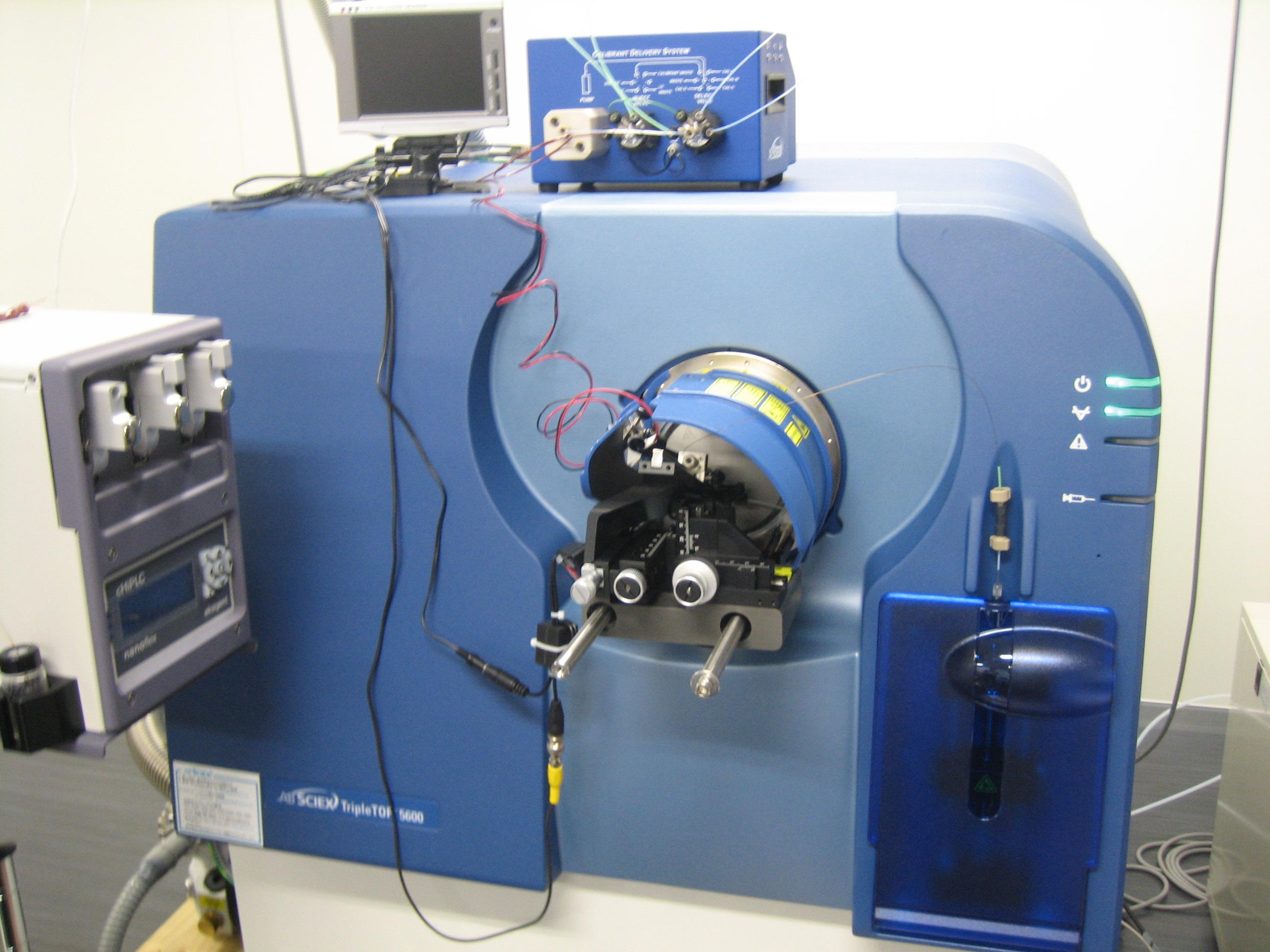 [042] 生体低分子測定装置 組織プロテオーム解析装置 画像