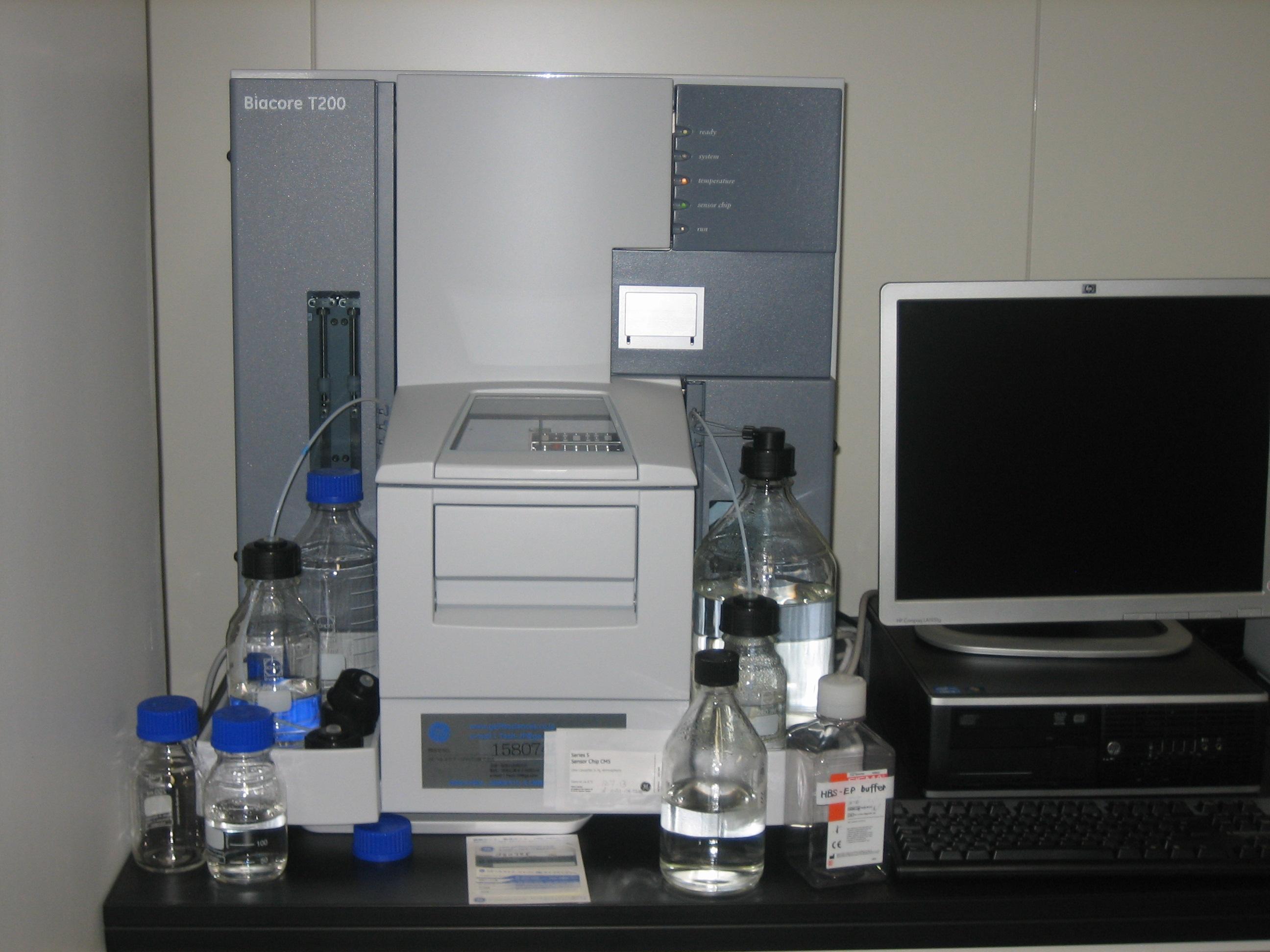 [043] 核酸分子定量解析装置 RNA解析用アレイスキャナー 生体分子間相互作用解析装置(Biacore T200 外) 画像