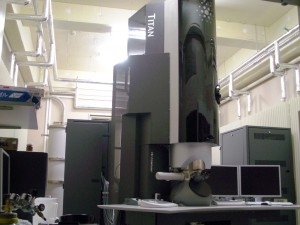 [085] サブオングストローム電子顕微鏡 〔リンク〕 画像
