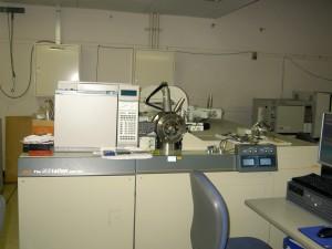 [030] 高分解能質量分析装置 画像