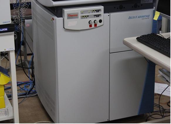 [031] 安定同位体比質量分析システム(燃焼型元素分析装置及び安定同位体比質量分析装置) 画像
