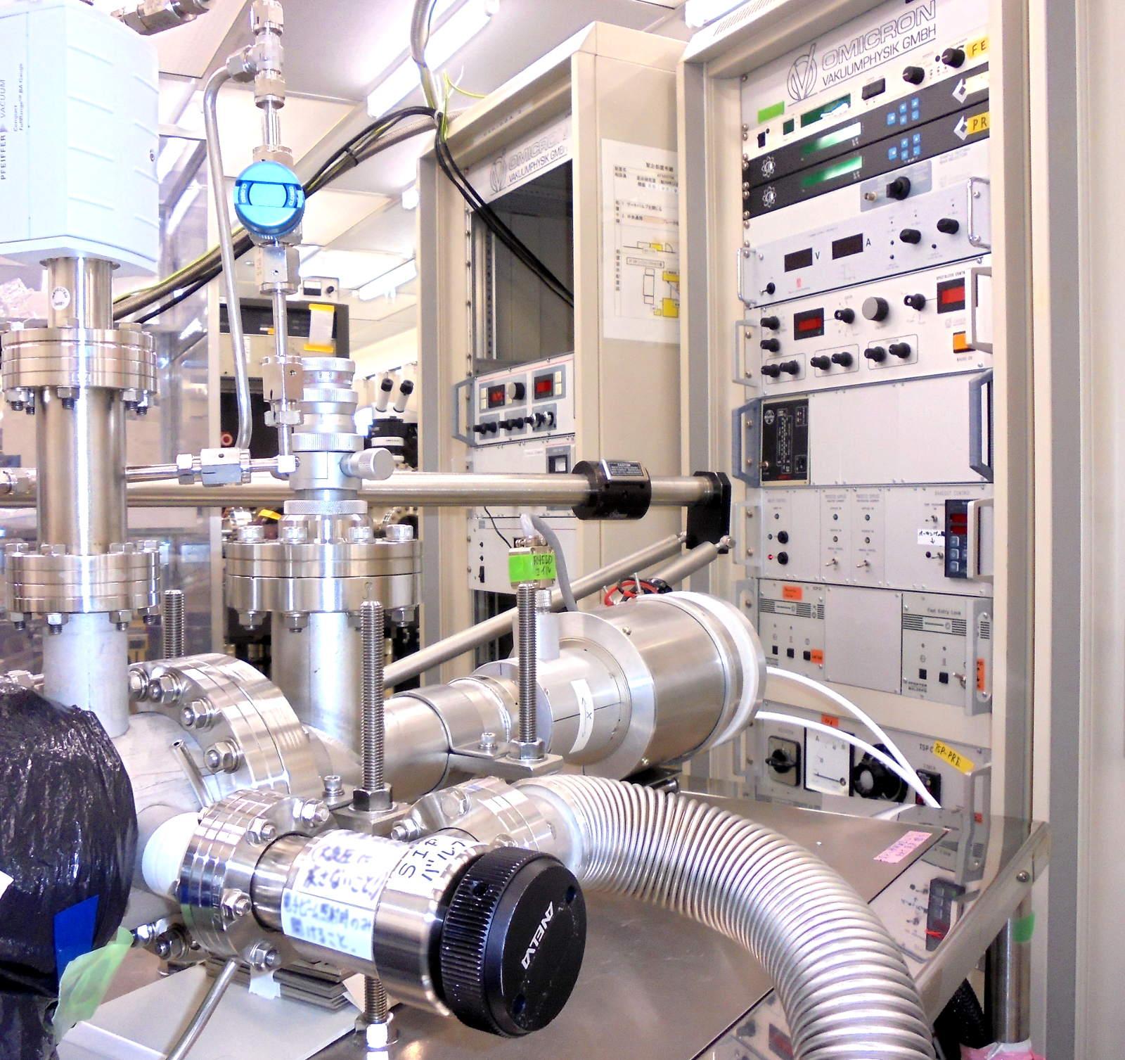 [593] 原子スケール評価分析システム(Si室) 画像